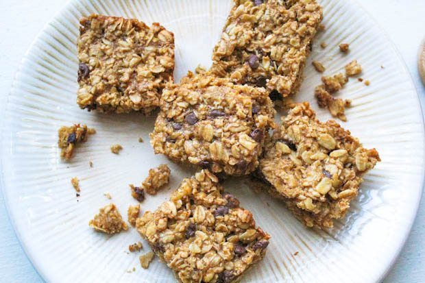 Chocolate Chip Cookie Granola Bars