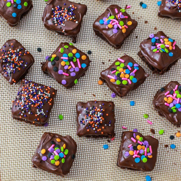 Double Chocolate Brownie Bites | sallysbakingaddiction.com