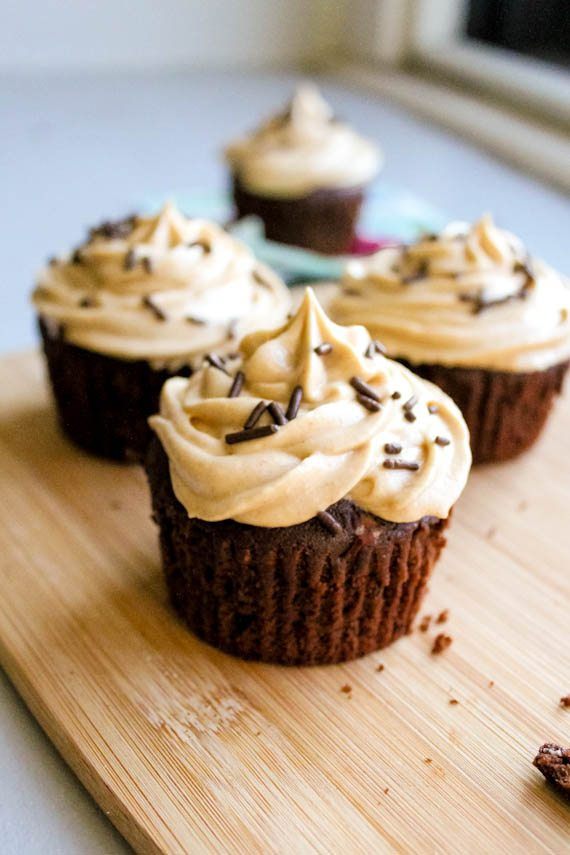 Fudge Brownie Cupcakes with Peanut Butter Frosting. Easy recipe by sallysbakingaddiction.com
