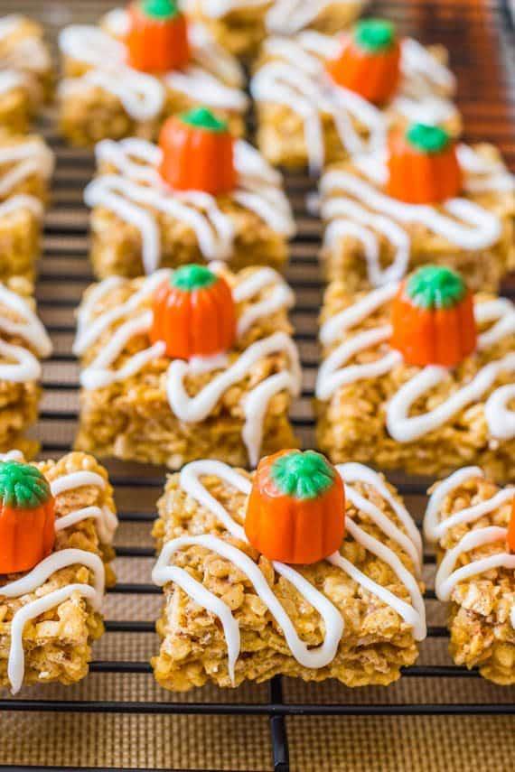 Pumpkin Pie Rice Krispie Treats! Grab the recipe on sallysbakingaddiction.com