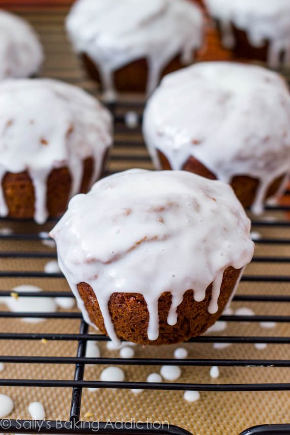 Gingerbread Muffins with Sweet Lemon Glaze - Sallys Baking ...