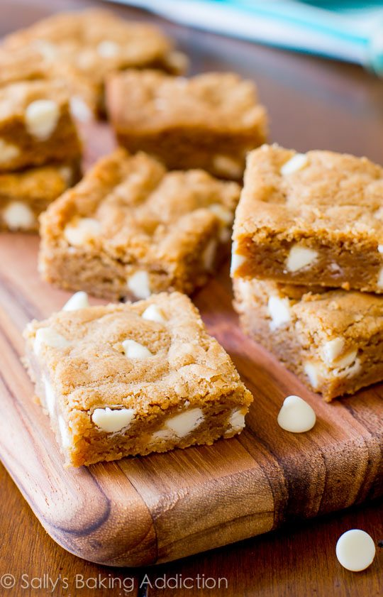 How to make the BEST blondies! The secret is in the Biscoff cookie butter spread!