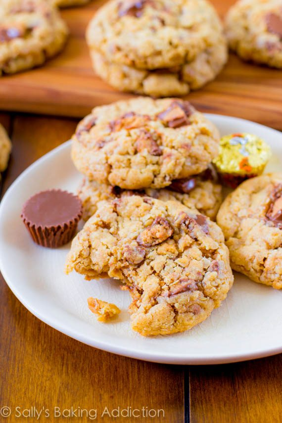 Peanut Butter Cup Oatmeal Cookies-6