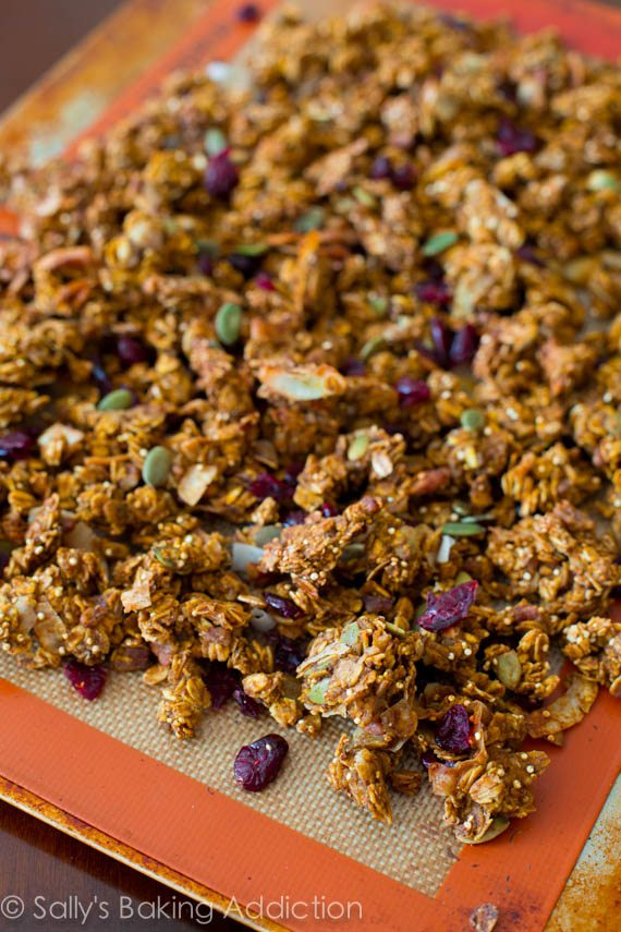 Pumpkin Spice Granola for all of you pumpkin lovers out there. Super ...