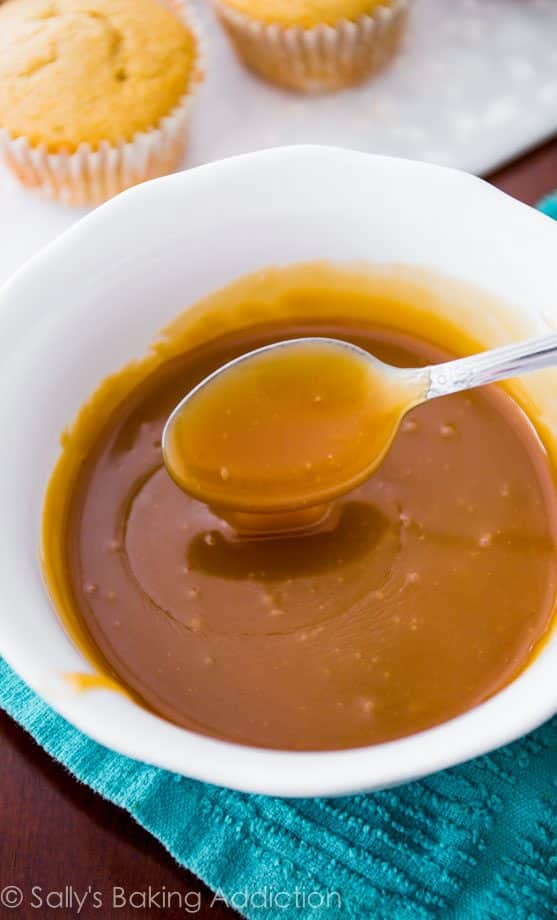 Homemade Butterscotch Sauce recipe by sallysbakingaddiction.com. Smooth, buttery, rich, and delicious!
