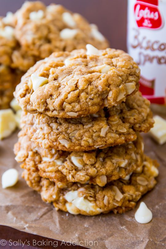 Soft and chewy oatmeal cookies loaded with sweet white chocolate and lots of creamy Biscoff spread! These are SO easy to make!