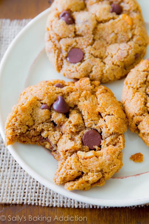 Ingredient Flourless Almond Butter Chocolate Chip Cookies! These are ...