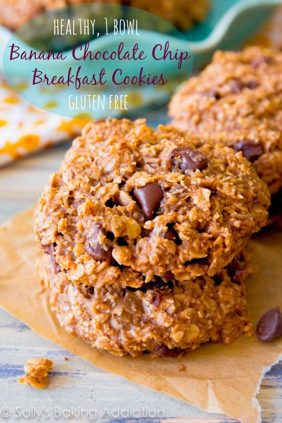 Banana Chocolate Chip Breakfast Cookies made with wholesome, healthy ingredients. 1 bowl, ready in less than 25 minutes!