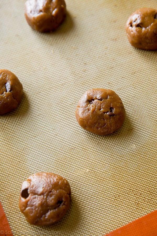 How to make flourless almond butter chocolate chip cookies on sallysbakingaddiction.com