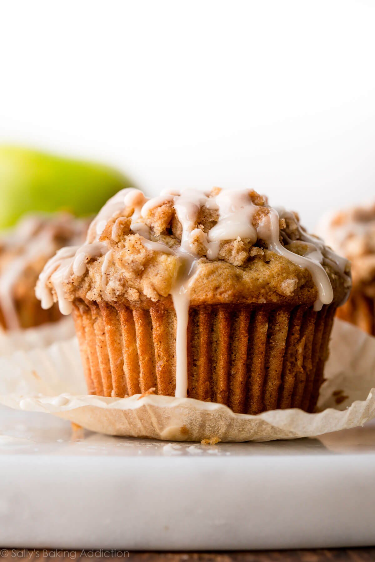 Apple crumb muffins on sallysbakingaddiction.com