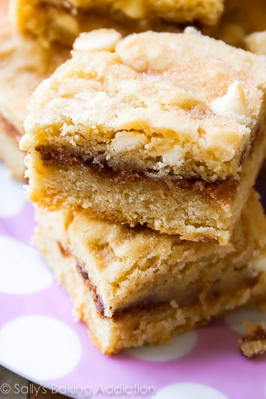 Soft cinnamon-sugary Snickerdoodle Blondie Bars!