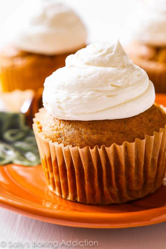 Spiced Pumpkin Cupcakes with fluffy marshmallow frosting!