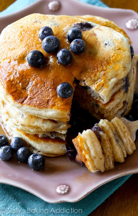 Fluffy 'n light blueberry pancakes with nutty, whole wheat goodness ...