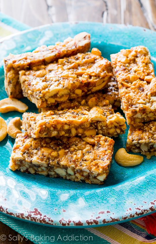 Cashew Coconut Snack Bars -- copycat KIND bars! Click through for the simple recipe!