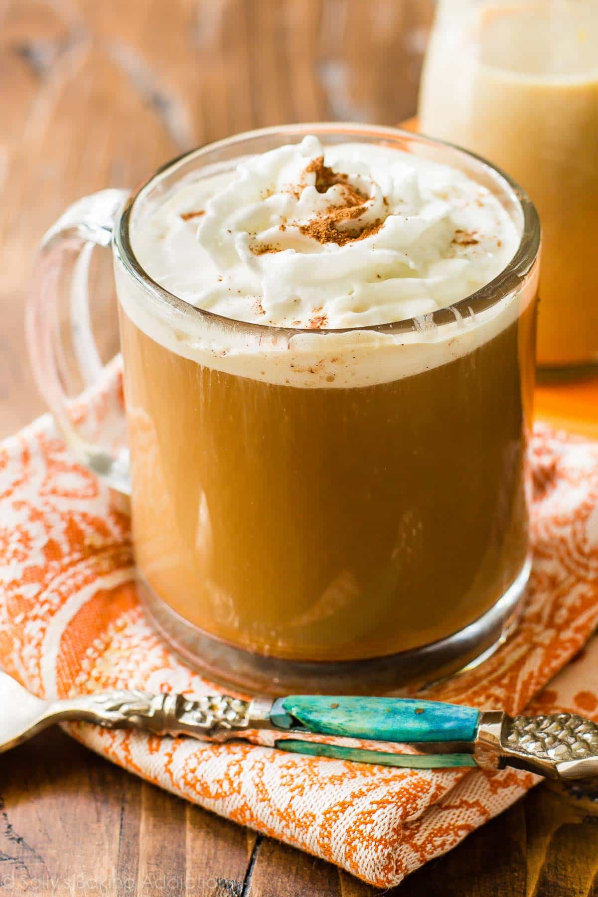 Homemade pumpkin coffee creamer made in 15 minutes with REAL pumpkin puree. Inexpensive and easy!! sallysbakingaddiction.com