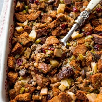 herbed-sausage-cranbery-apple-thanksgiving-stuffing