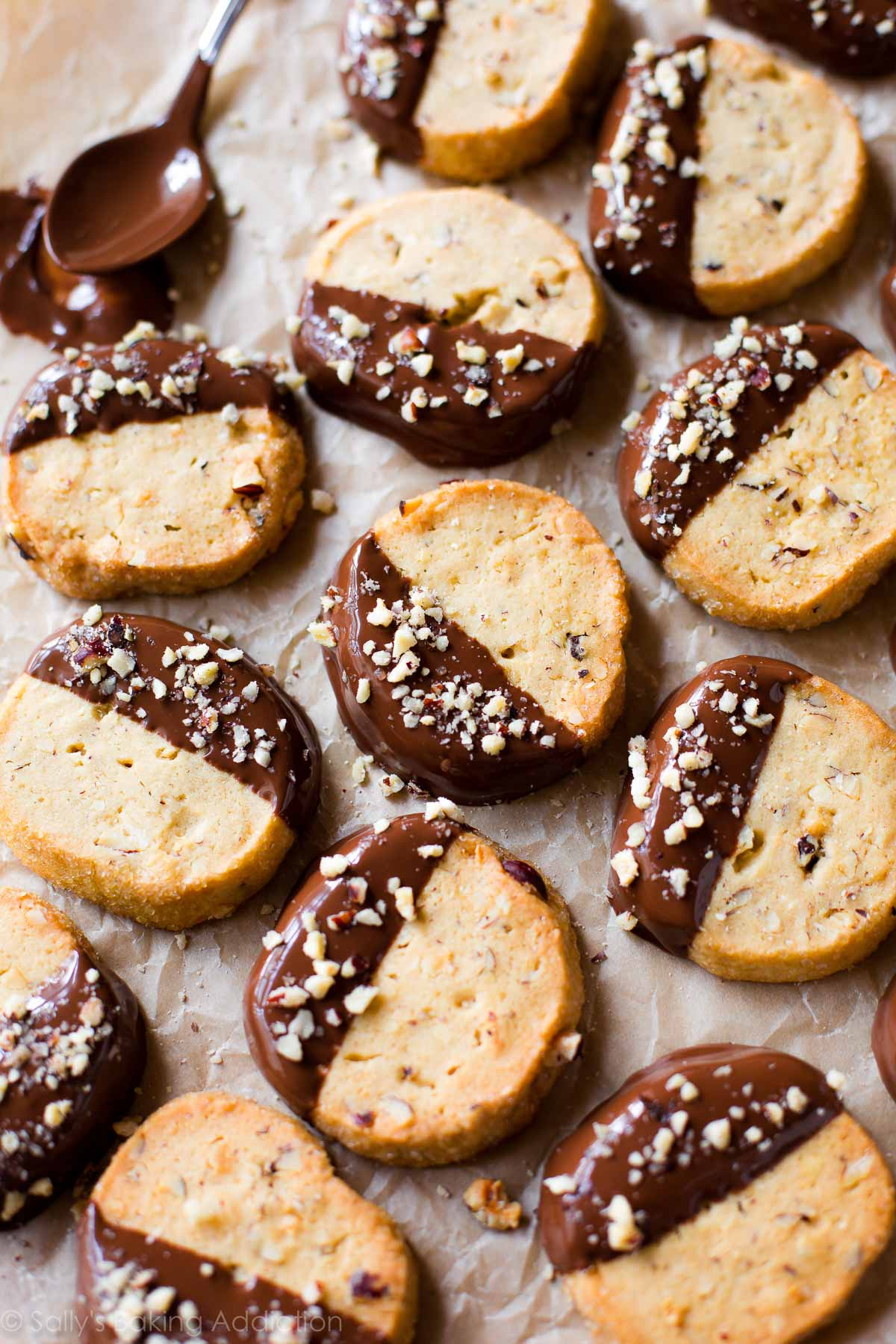 EASY and make ahead cookies with toasted hazelnuts, milk chocolate, brown sugar, and more! Recipe on sallysbakingaddiction.com