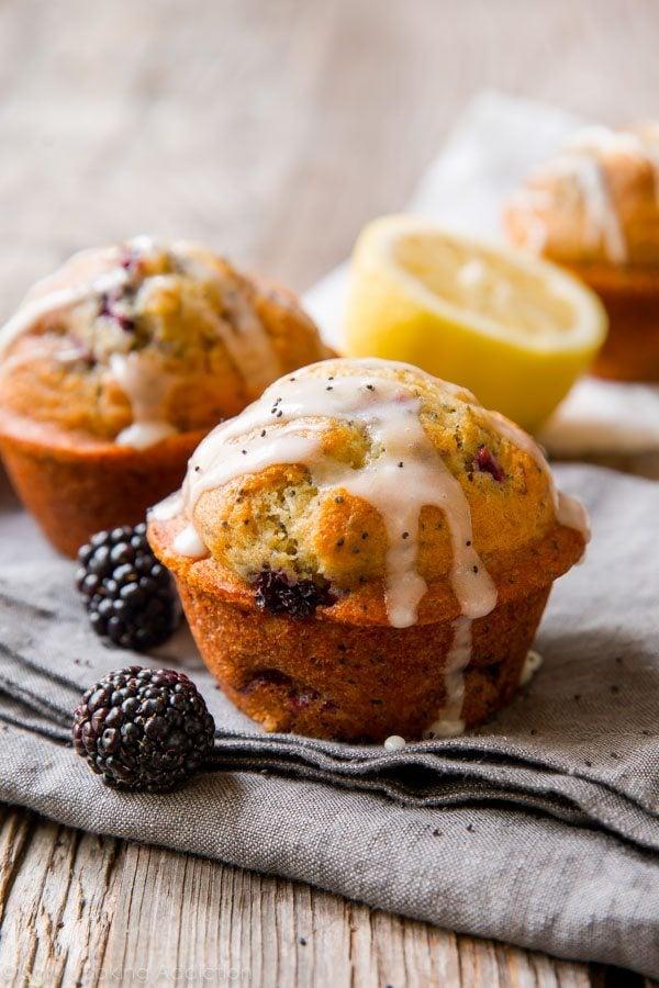 Greek yogurt keeps them extra moist, blackberries bring a whole new taste, and lemon glaze completes it all! Blackberry lemon poppy seed muffins recipe on sallysbakingaddiction.com