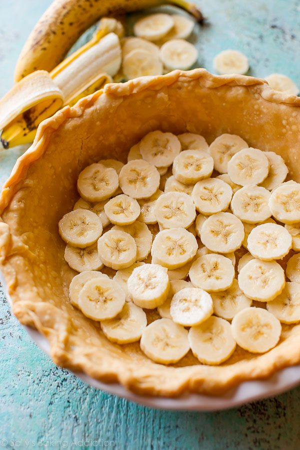 How to make banana cream pie on sallysbakingaddiction.com