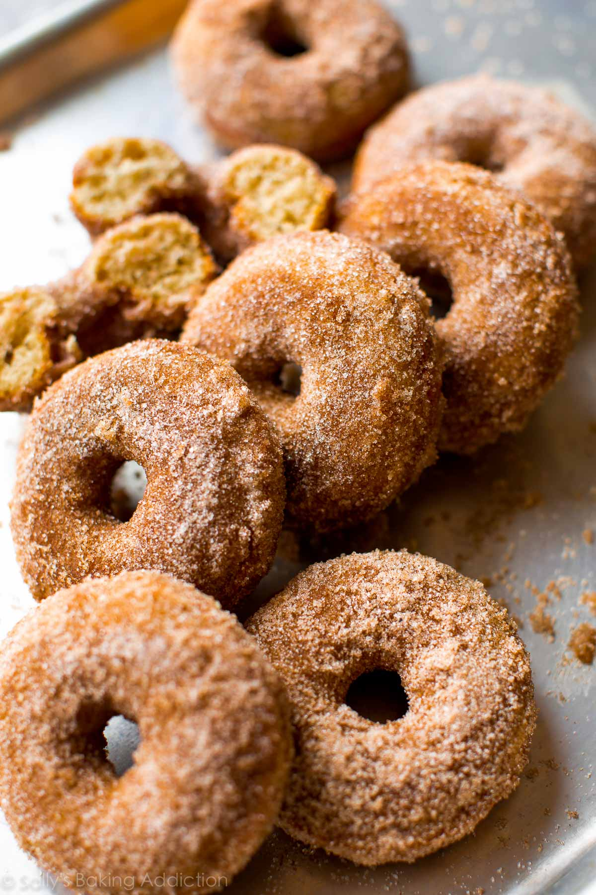 These easy chai spice donuts are ready in about 30 minutes! Recipe on sallysbakingaddiction.com