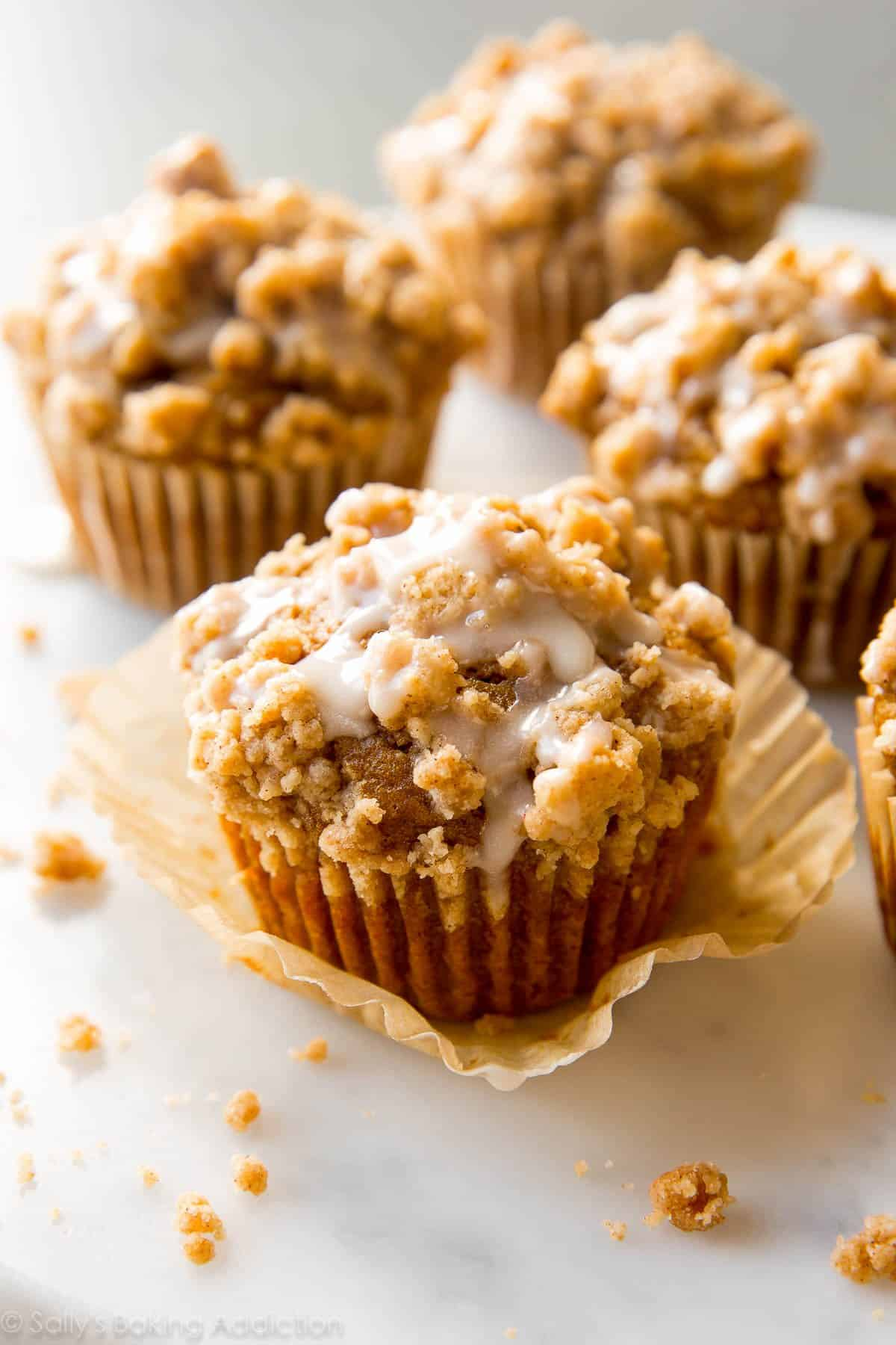 Pumpkin Crumb Cake Muffins. | Sally's Baking Addiction | Bloglovin'
