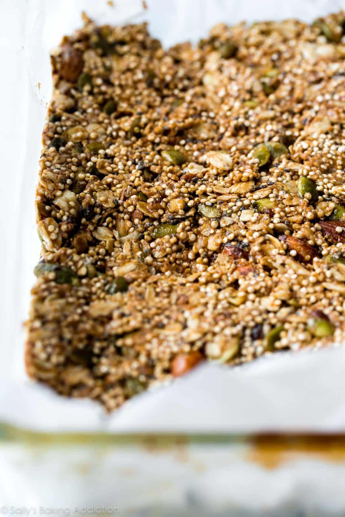 How to make easy quinoa crunch snack bars! Recipe on sallysbakingaddiction.com