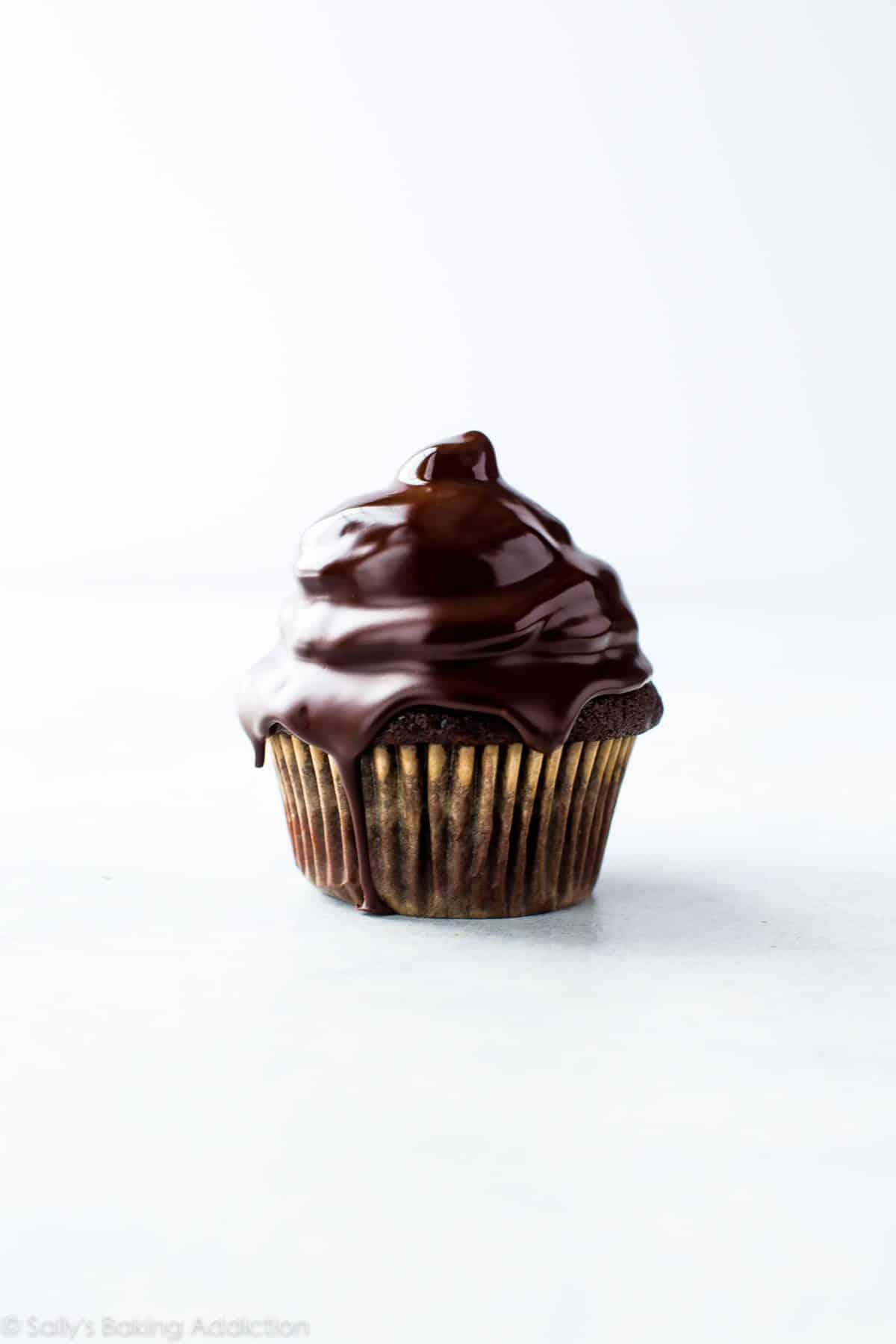 Peanut Butter Hi-Hat Cupcakes - Sallys Baking Addiction