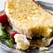 iced-lemon-pound-cake