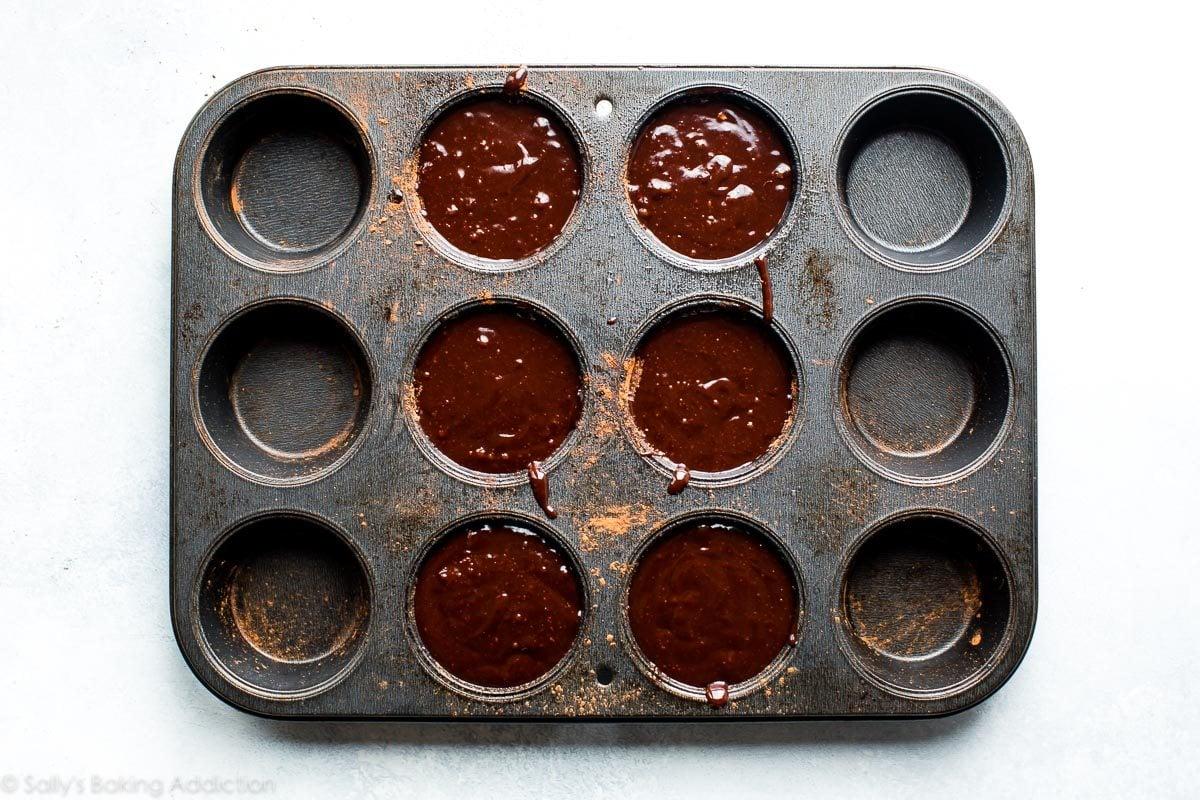 Chocolate lava cakes on sallysbakingaddiction.com