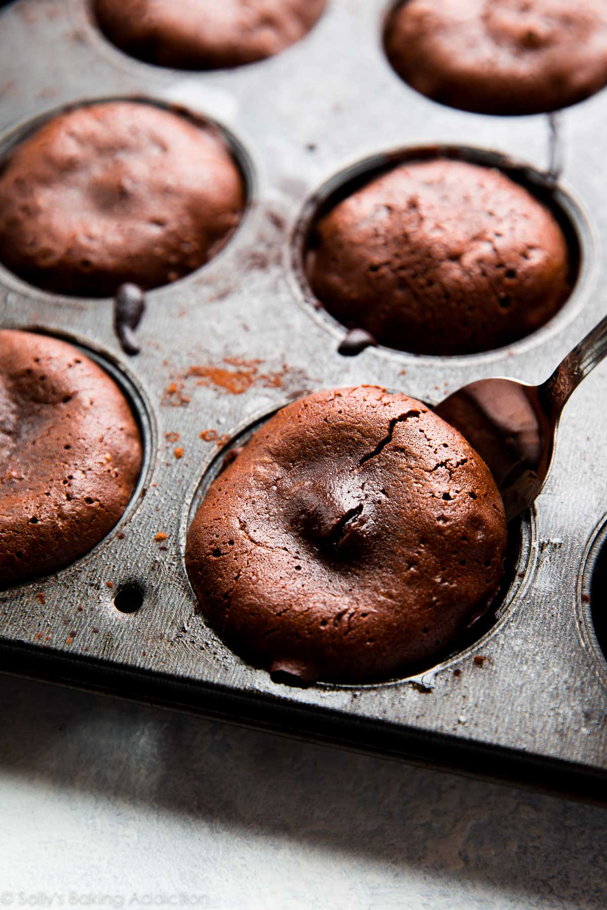 How To Make Chocolate Lava Cakes Video Sallys Baking