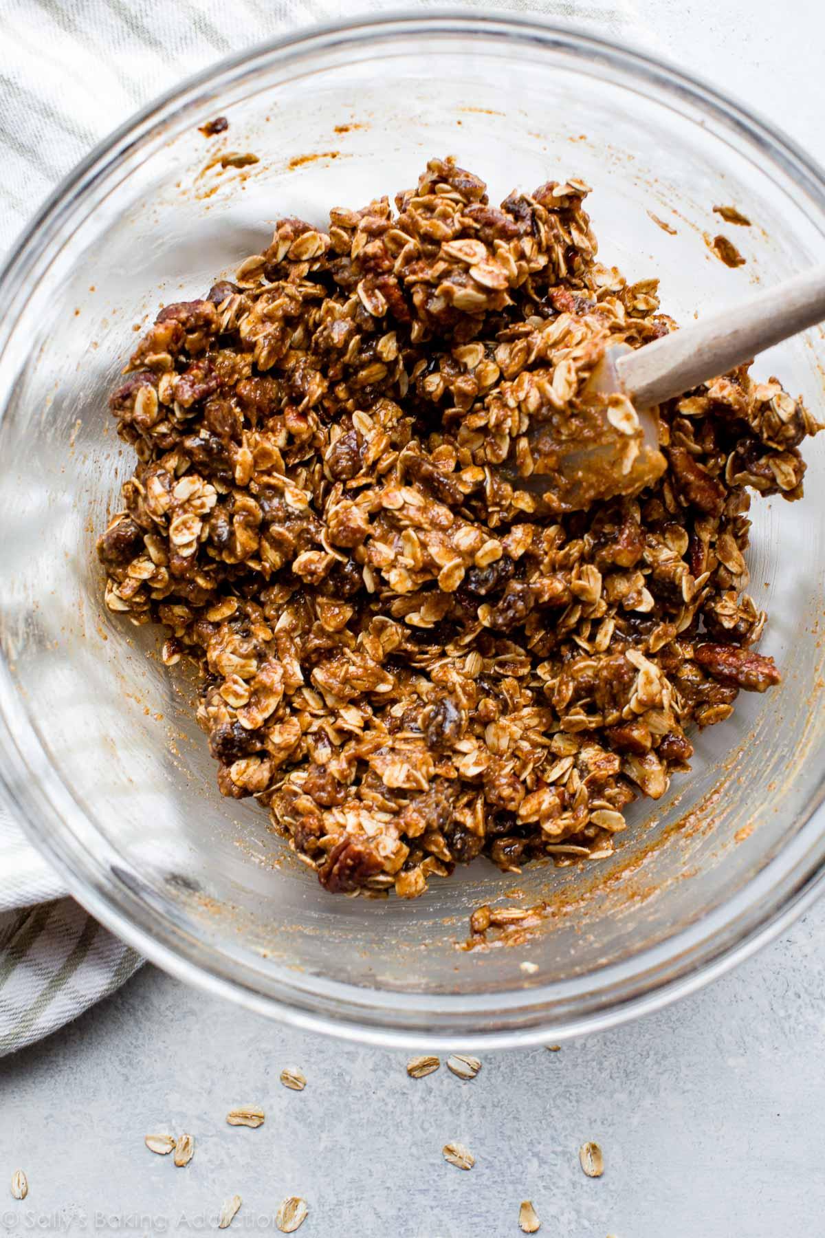 How to make soft oatmeal raisin cookie granola bars on sallysbakingaddiction.com