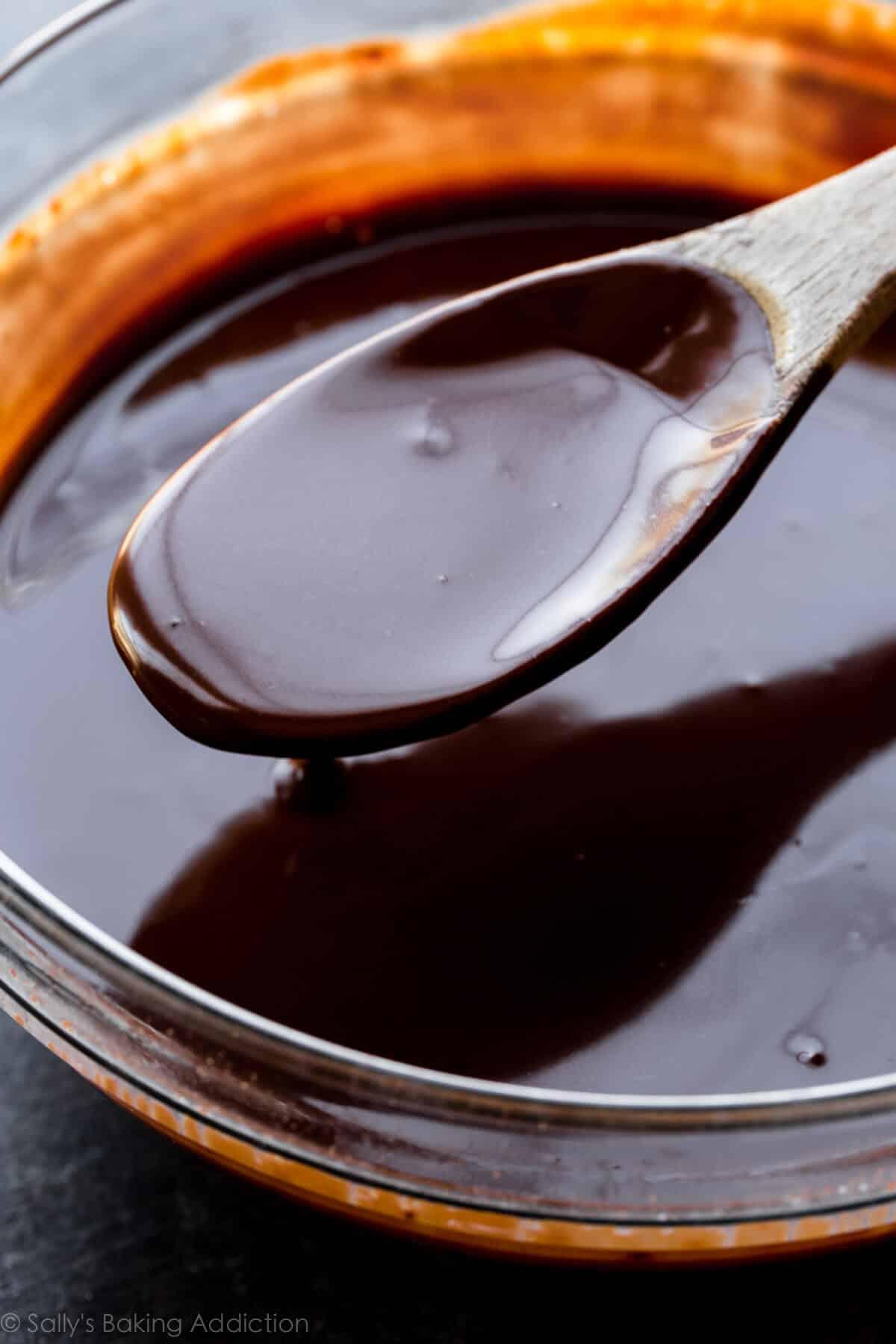 How to make 7 ingredient gluten free and vegan chocolate coconut tart on sallysbakingaddiction.com