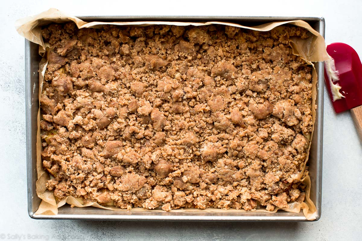Crumb topping for apple crumb cake on sallysbakingaddiction.com