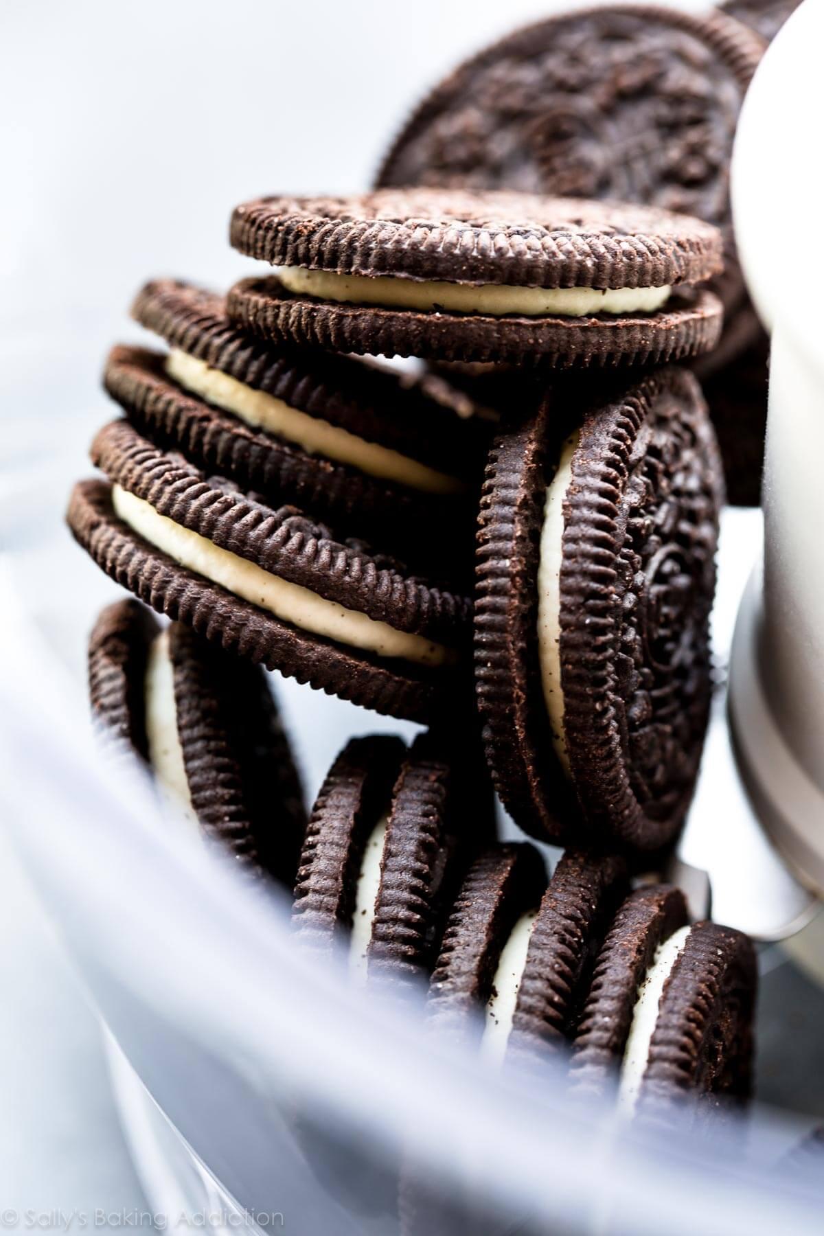 Oreo cookie crust for Snickers cheesecake on sallysbakingaddiction.com