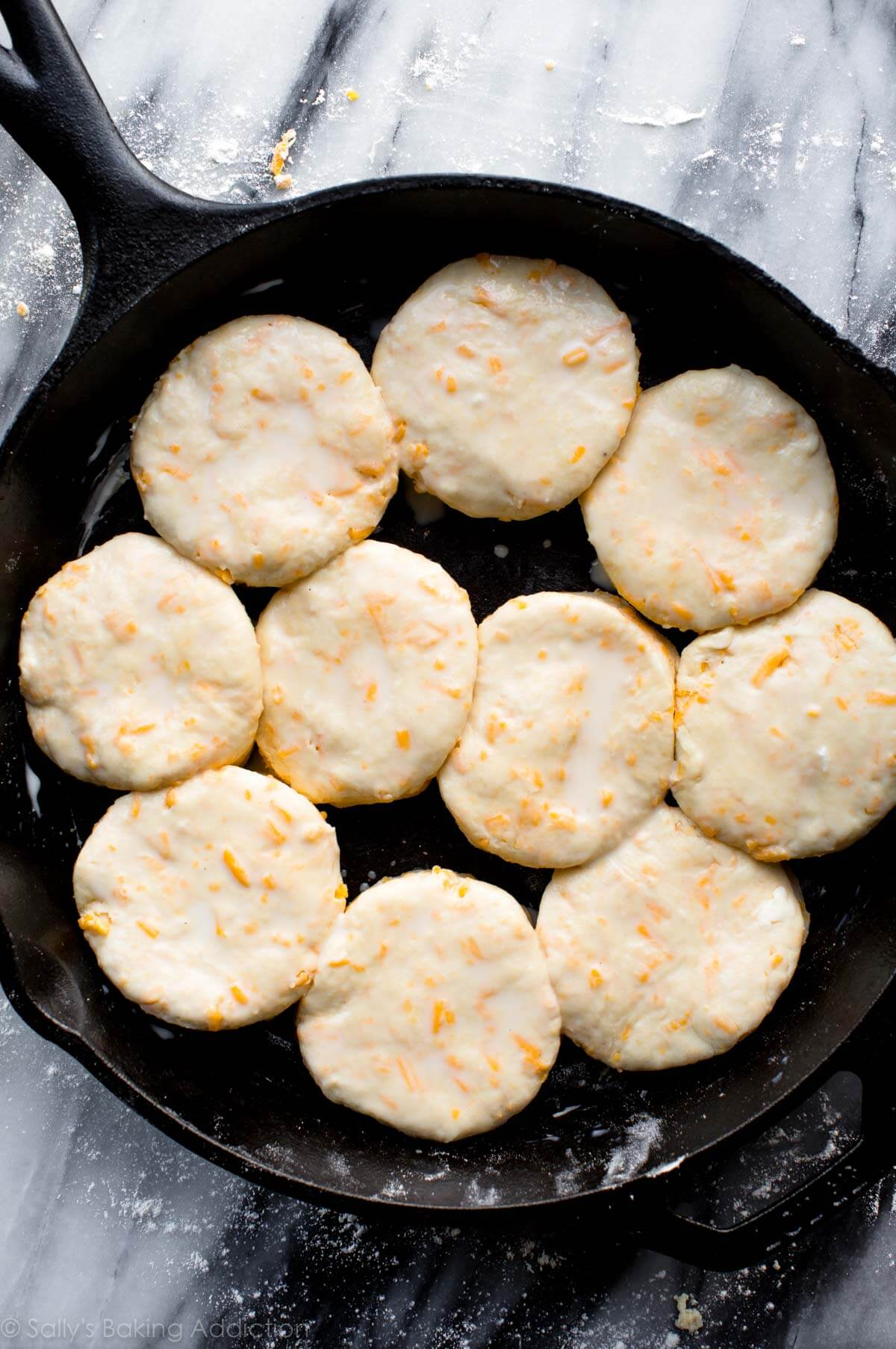 How to make cheddar bay biscuits on sallysbakingaddiction.com