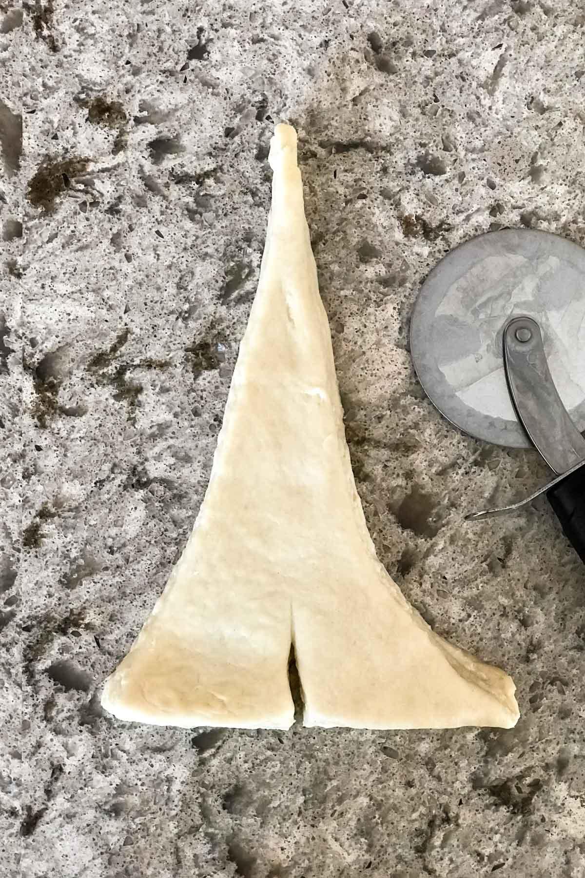 How to shape homemade croissants on sallysbakingaddiction.com