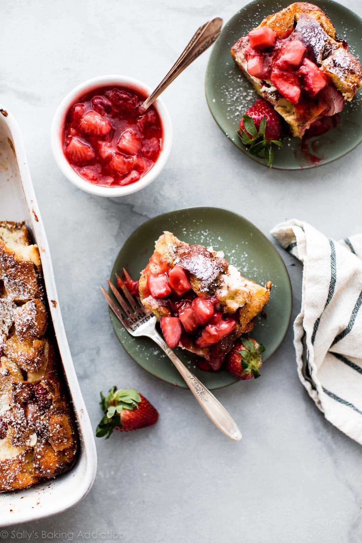Creamy, fresh, and custard-y Strawberries n Cream French Toast Casserole! Make it ahead the night before! Full recipe on sallysbakingaddiction.com